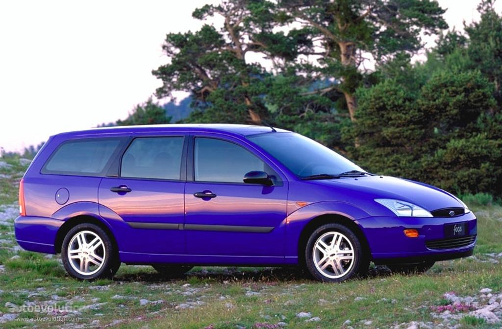 ford focus wagon 1999 2000 2001 autoevolution. Black Bedroom Furniture Sets. Home Design Ideas