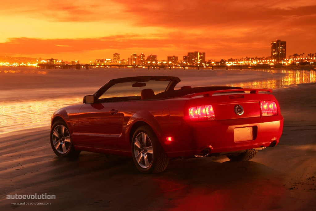 FORD Mustang Convertible specs & photos - 2004, 2005, 2006 ...
