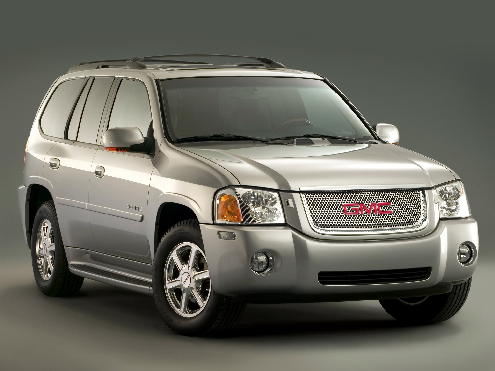 gmc envoy specs photos 2008 2009 autoevolution. Black Bedroom Furniture Sets. Home Design Ideas