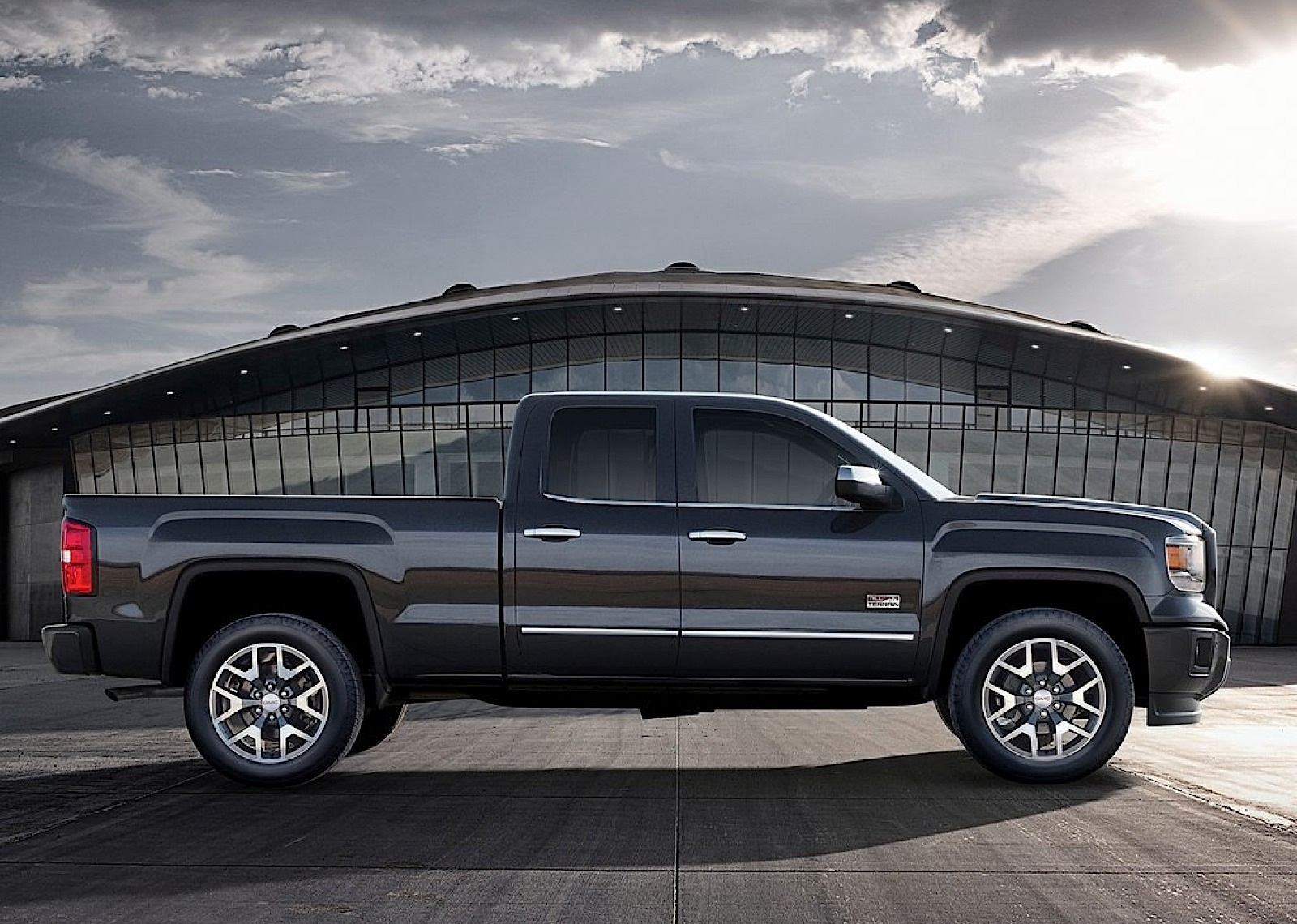 GMC Sierra Crew Cab specs & photos - 2013, 2014, 2015 ...