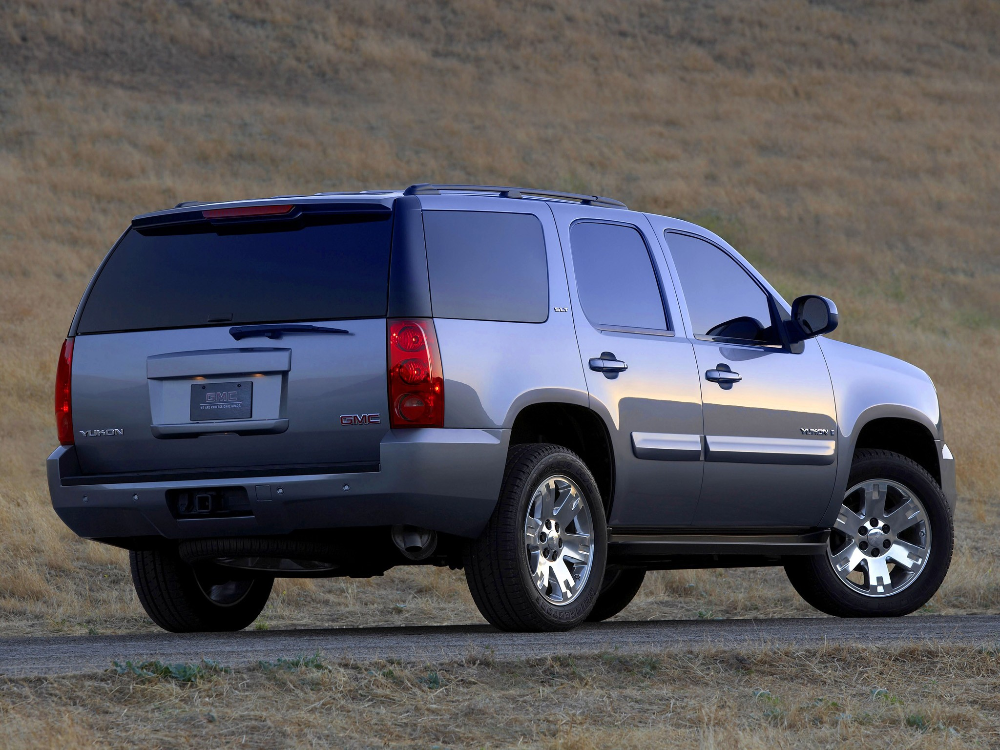 GMC Yukon specs & photos - 2008, 2009, 2010, 2011, 2012 ...