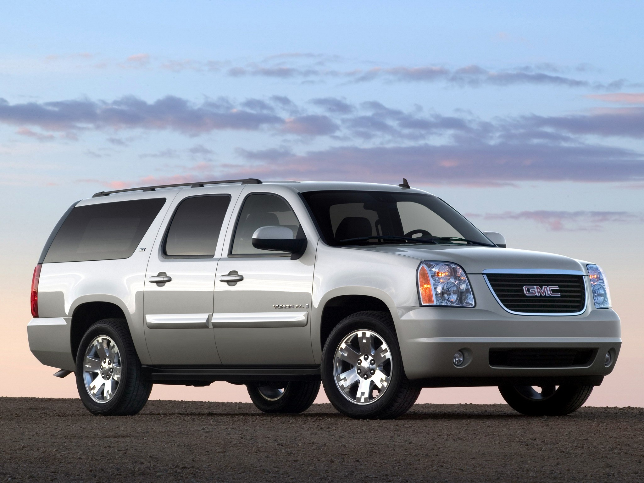 GMC Yukon XL specs & photos - 2008, 2009, 2010, 2011, 2012 ...