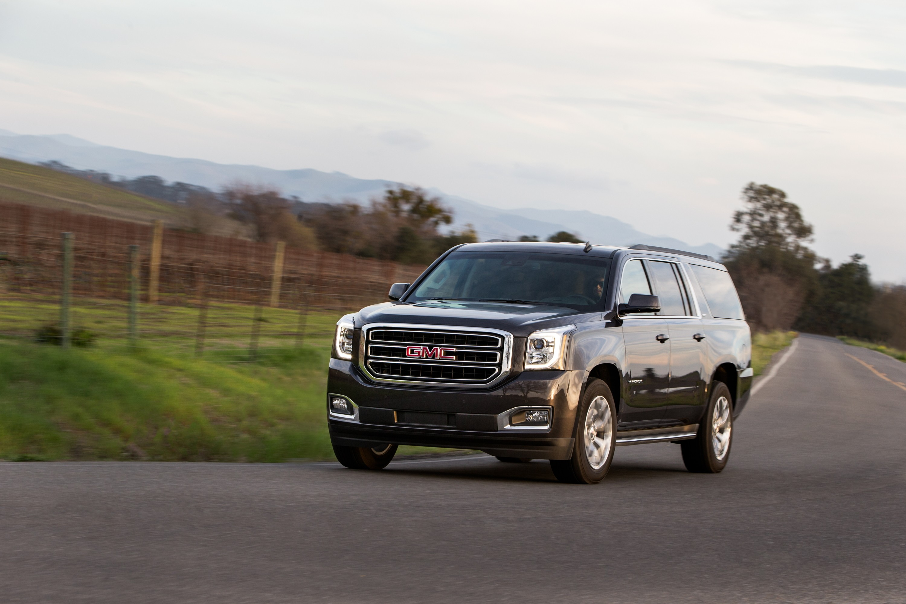GMC Yukon XL specs & photos - 2014, 2015, 2016, 2017, 2018 ...