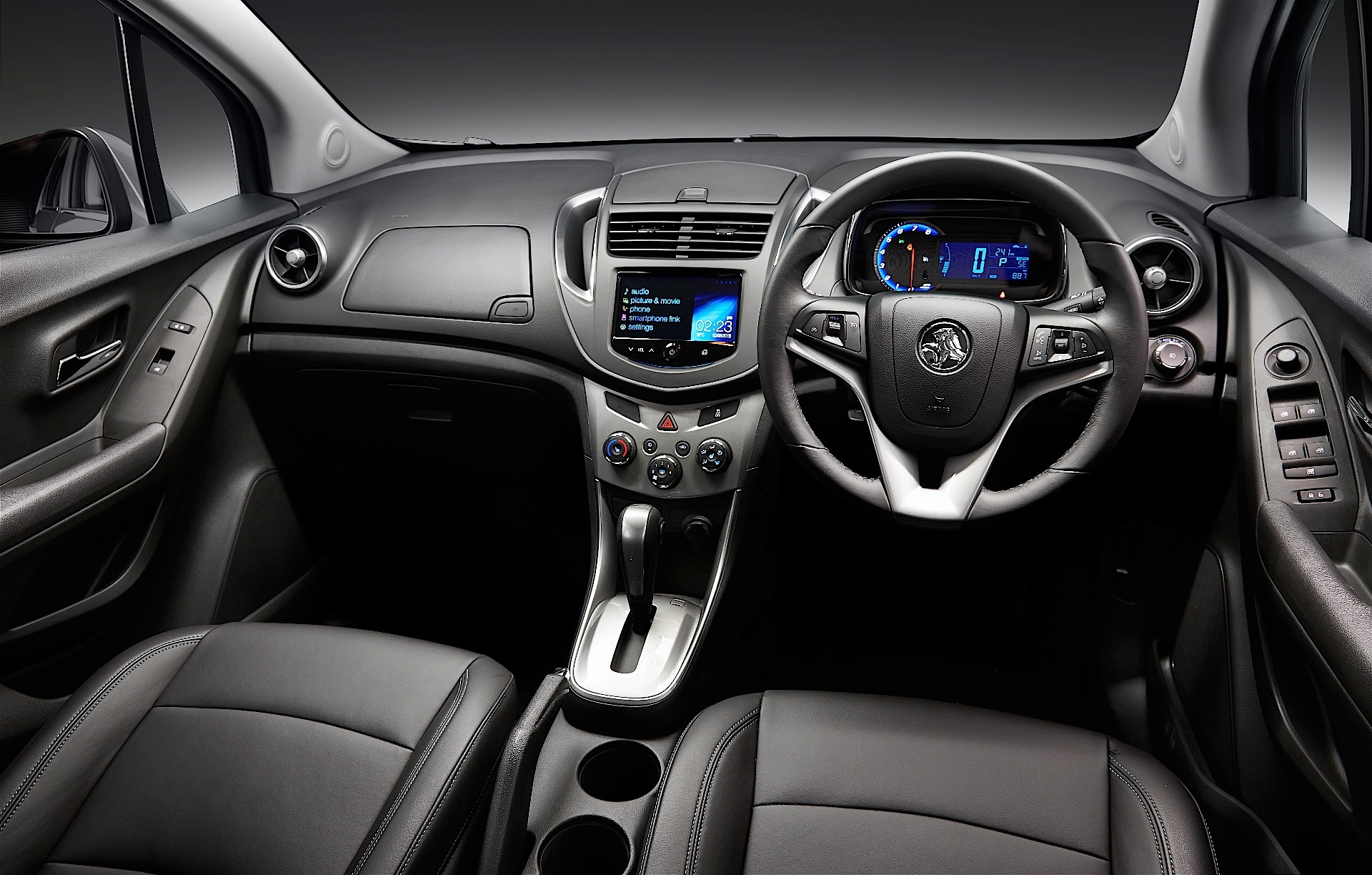 HOLDEN Trax specs & photos - 2013, 2014, 2015, 2016 ...