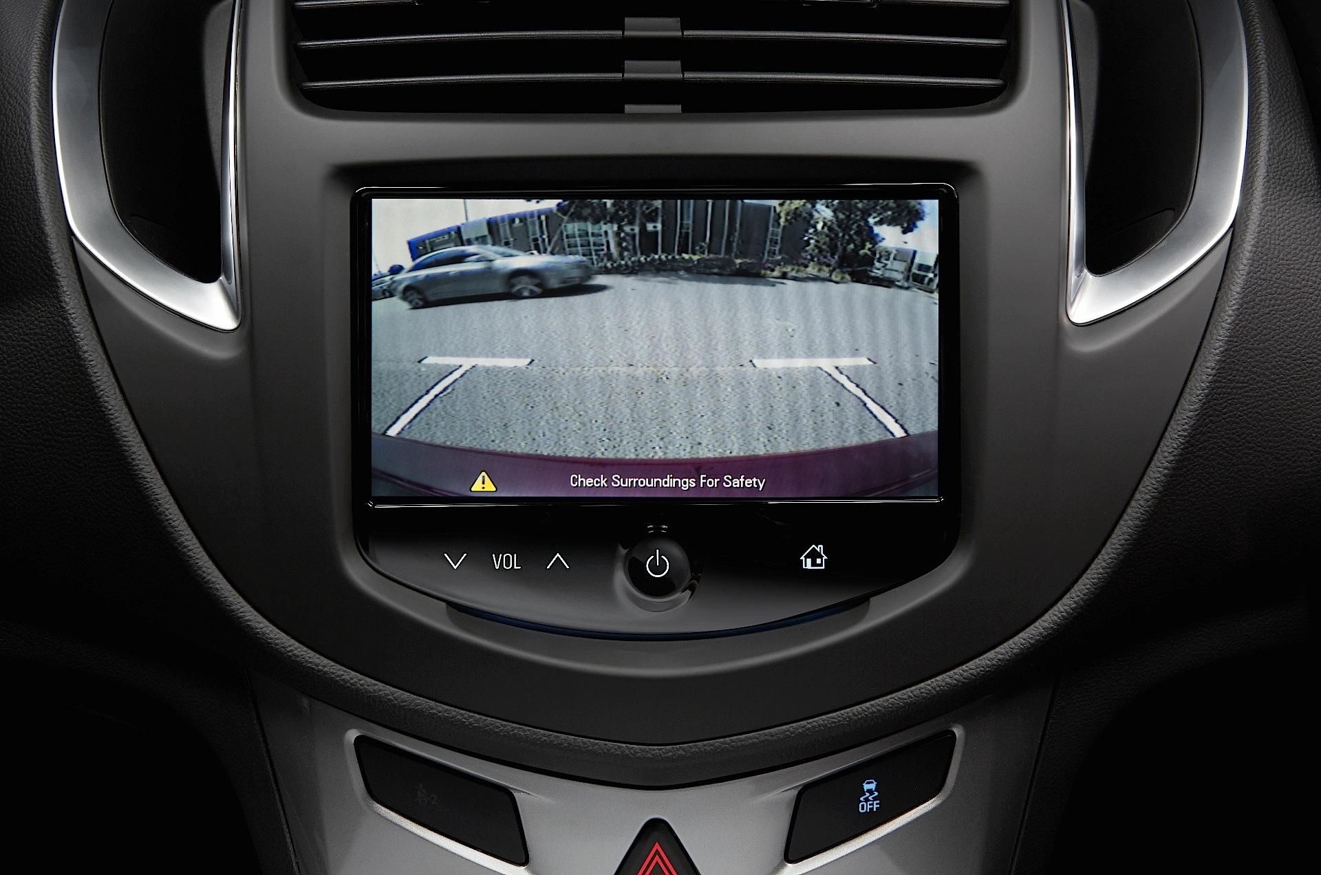 Holden Trax Specs Amp Photos 2013 2014 2015 2016