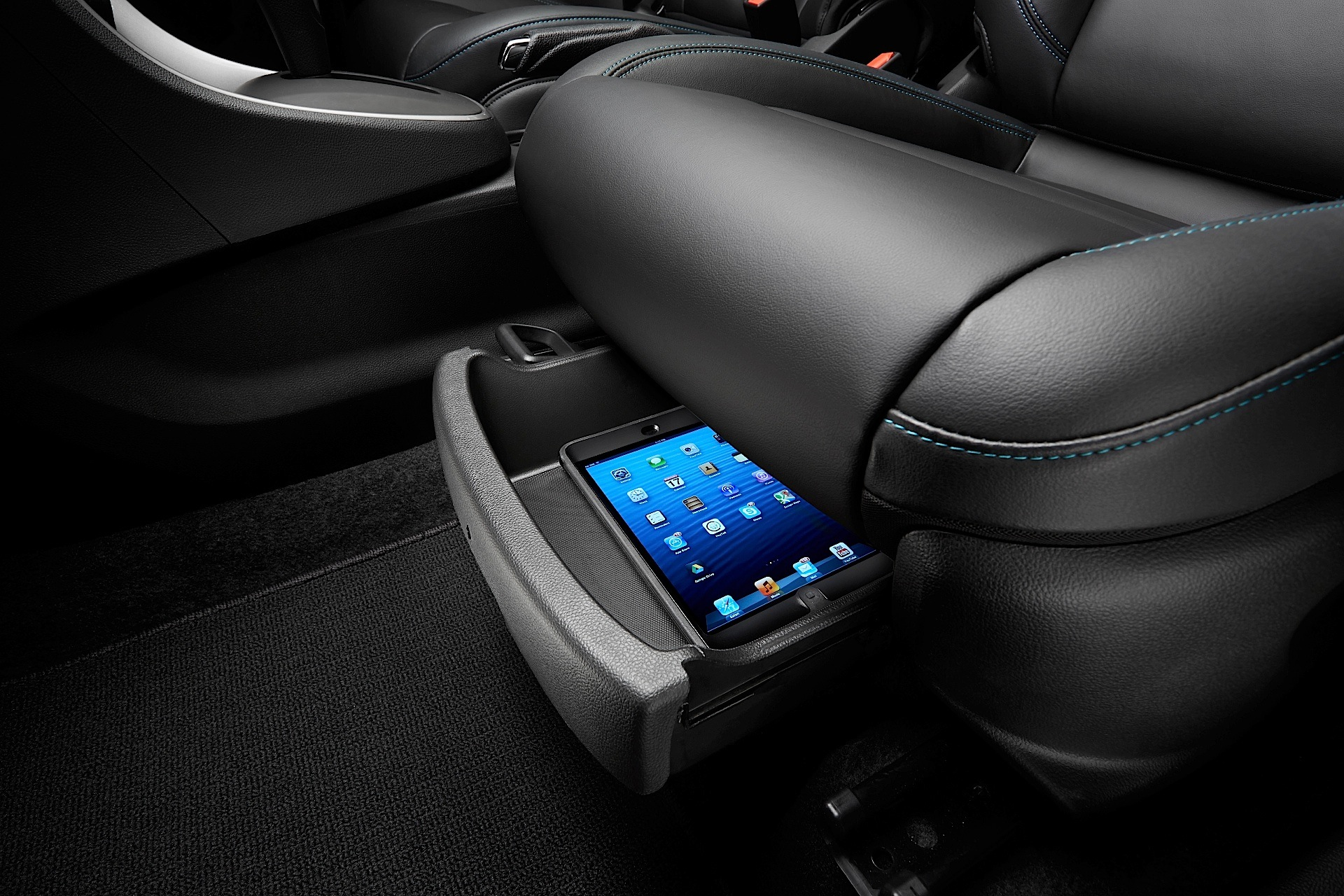 chevrolet trax hp with Holden Trax 2013 on New Jeep Renegade Smallest Jeep Photos Details Video in addition Trax furthermore 100459872 2013 Chevrolet Equinox Fwd 4 Door Lt W 2lt Rear Exterior View together with 2017 Honda Hrv Prepared To Enter The North American Market besides Chevrolet Slammer Concept Lt376535 Crate Engine.