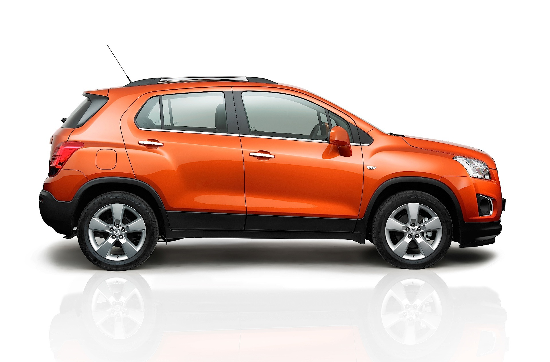 2018 Chevy Trax >> HOLDEN Trax specs & photos - 2013, 2014, 2015, 2016 - autoevolution