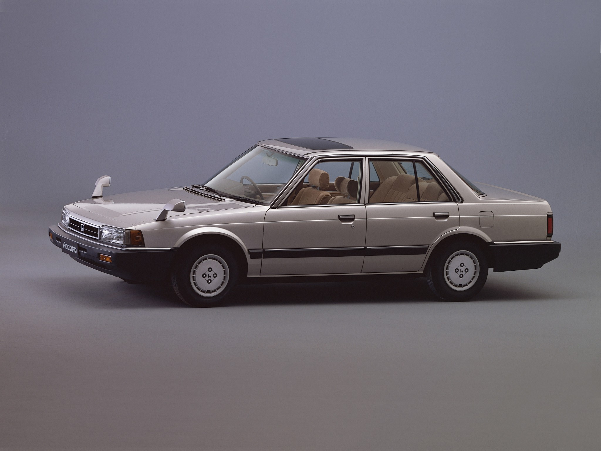 HONDA Accord 4 Doors specs - 1981, 1982, 1983, 1984, 1985 ...