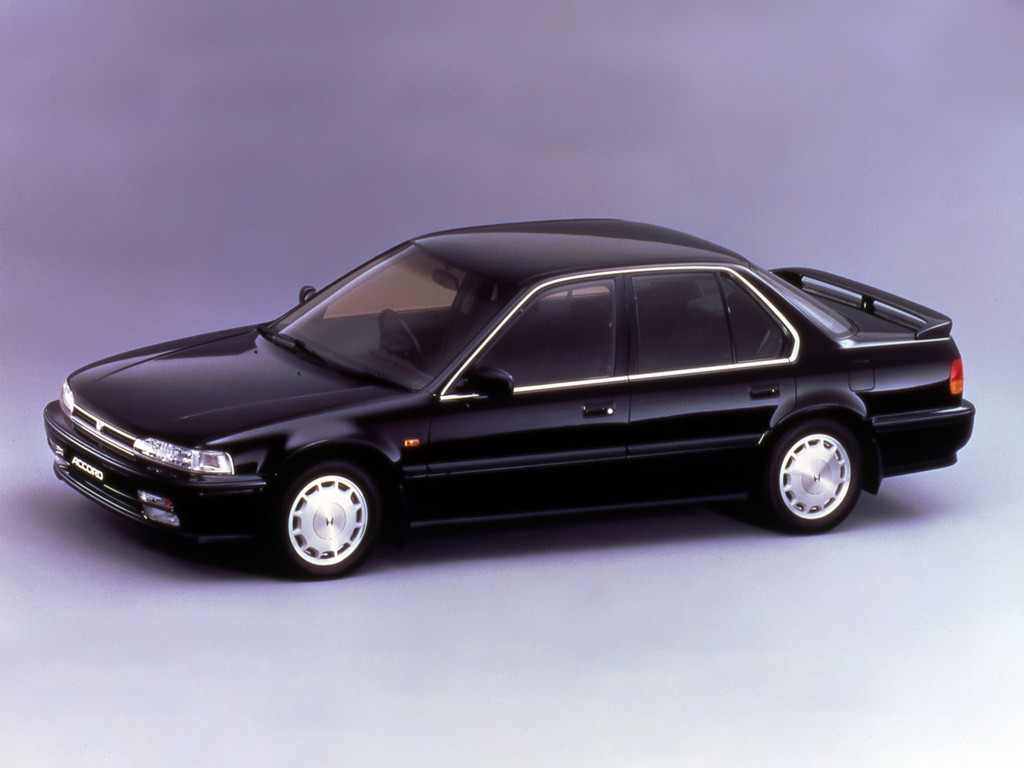 honda accord 4 doors specs 1989 1990 1991 1992 1993 autoevolution. Black Bedroom Furniture Sets. Home Design Ideas
