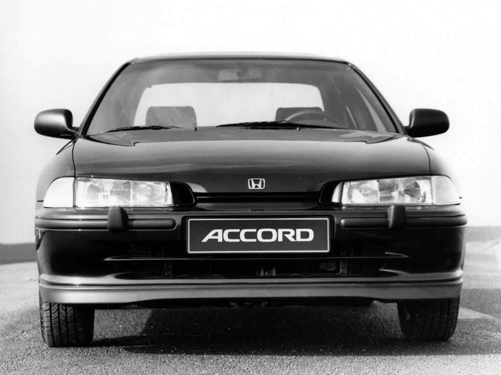 HONDA Accord 4 Doors specs & photos - 1993, 1994, 1995, 1996 - autoevolution