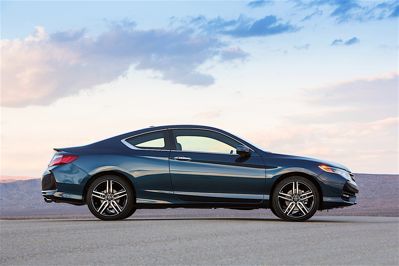 HONDA Accord Coupe specs & photos - 2015, 2016, 2017, 2018, 2019 - autoevolution