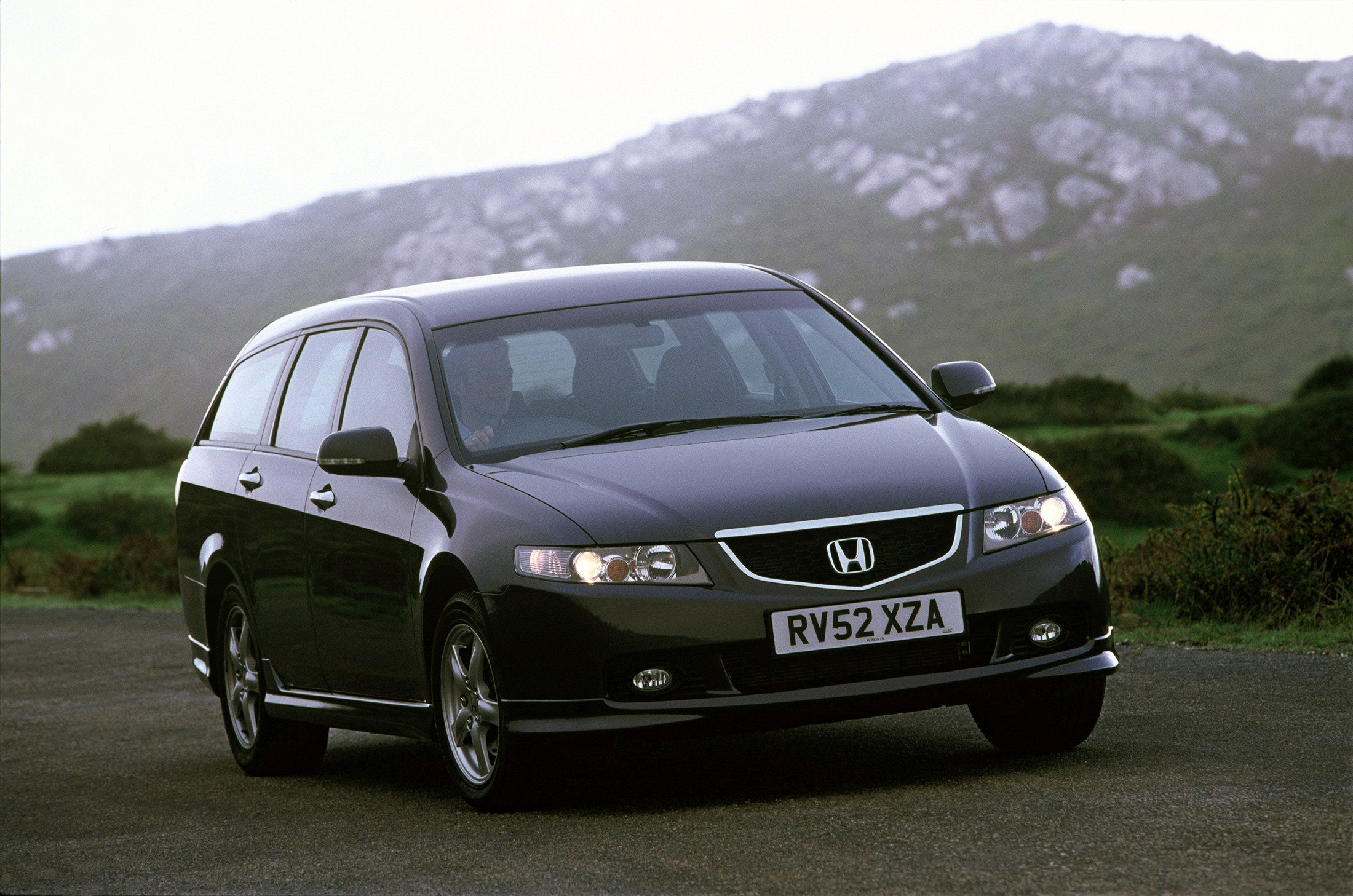 HONDA Accord Tourer specs & photos - 2003, 2004, 2005 ...