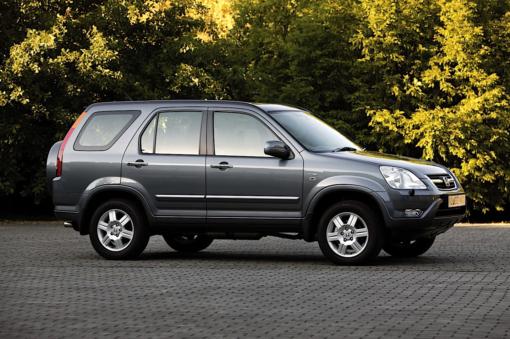 HONDA CR-V specs & photos - 2002, 2003, 2004 - autoevolution