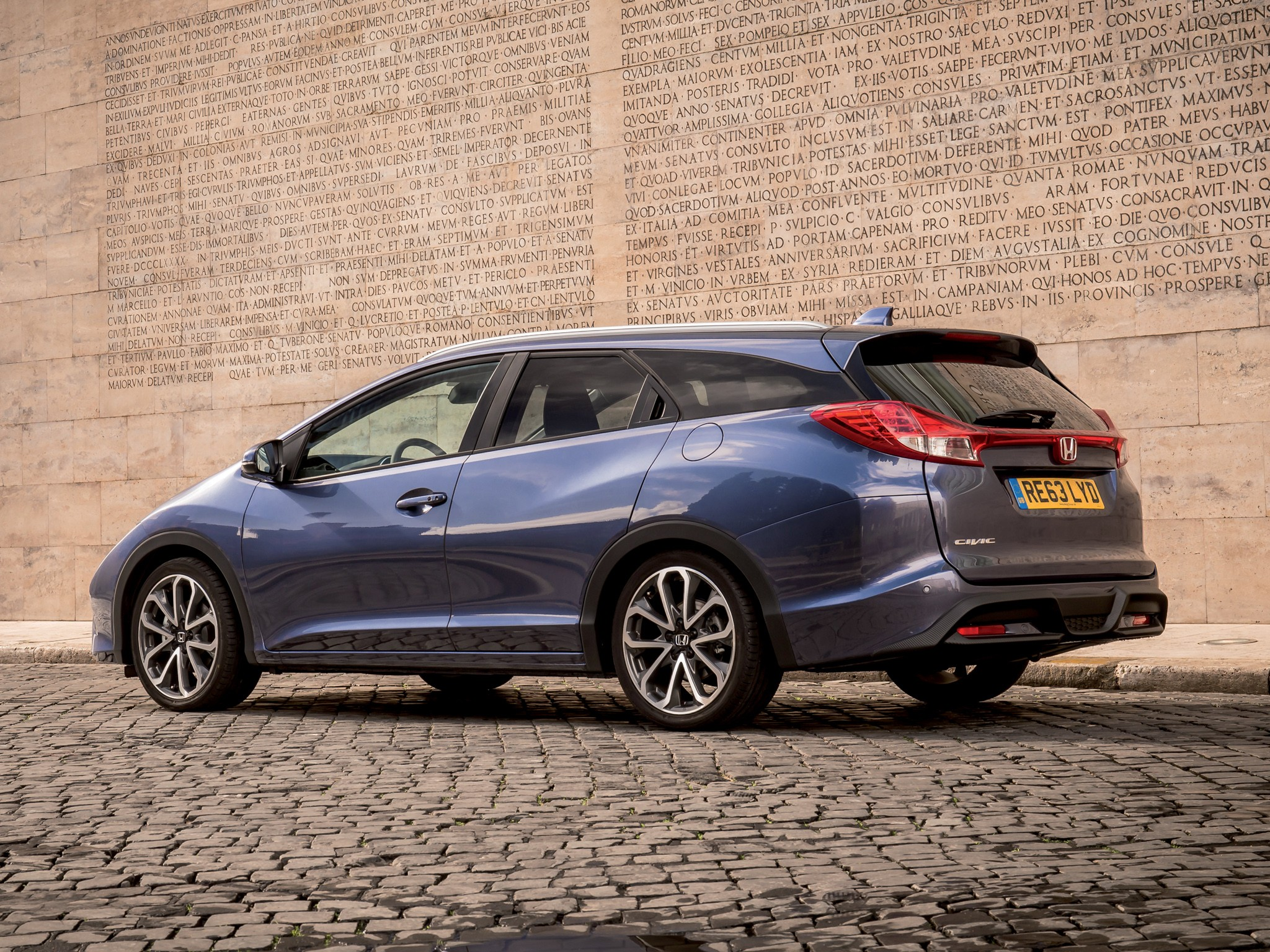 HONDA Civic Tourer specs & photos - 2013, 2014, 2015, 2016 ...