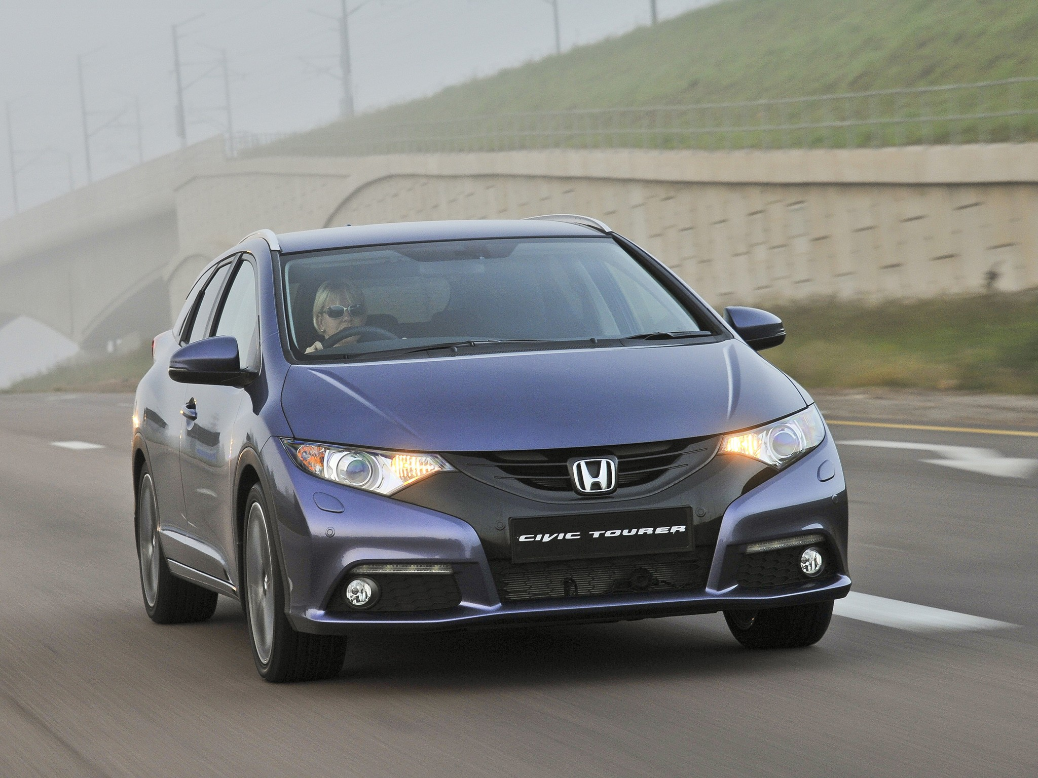 honda civic tourer brochure pdf