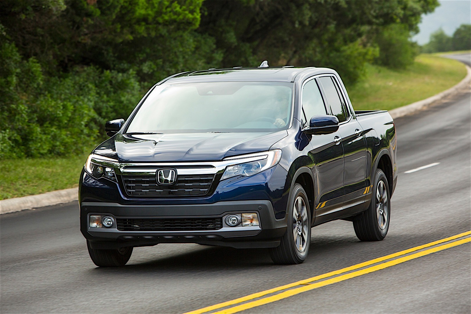 honda ridgeline specs photos 2016 2017 2018 autoevolution. Black Bedroom Furniture Sets. Home Design Ideas