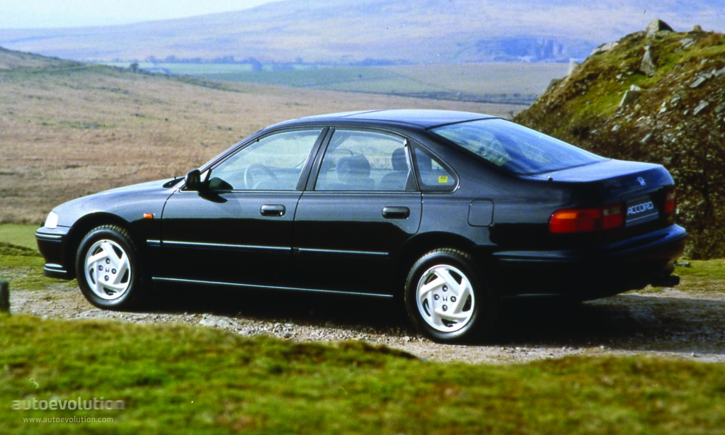 HONDA Accord 4 Doors specs - 1993, 1994, 1995, 1996 - autoevolution