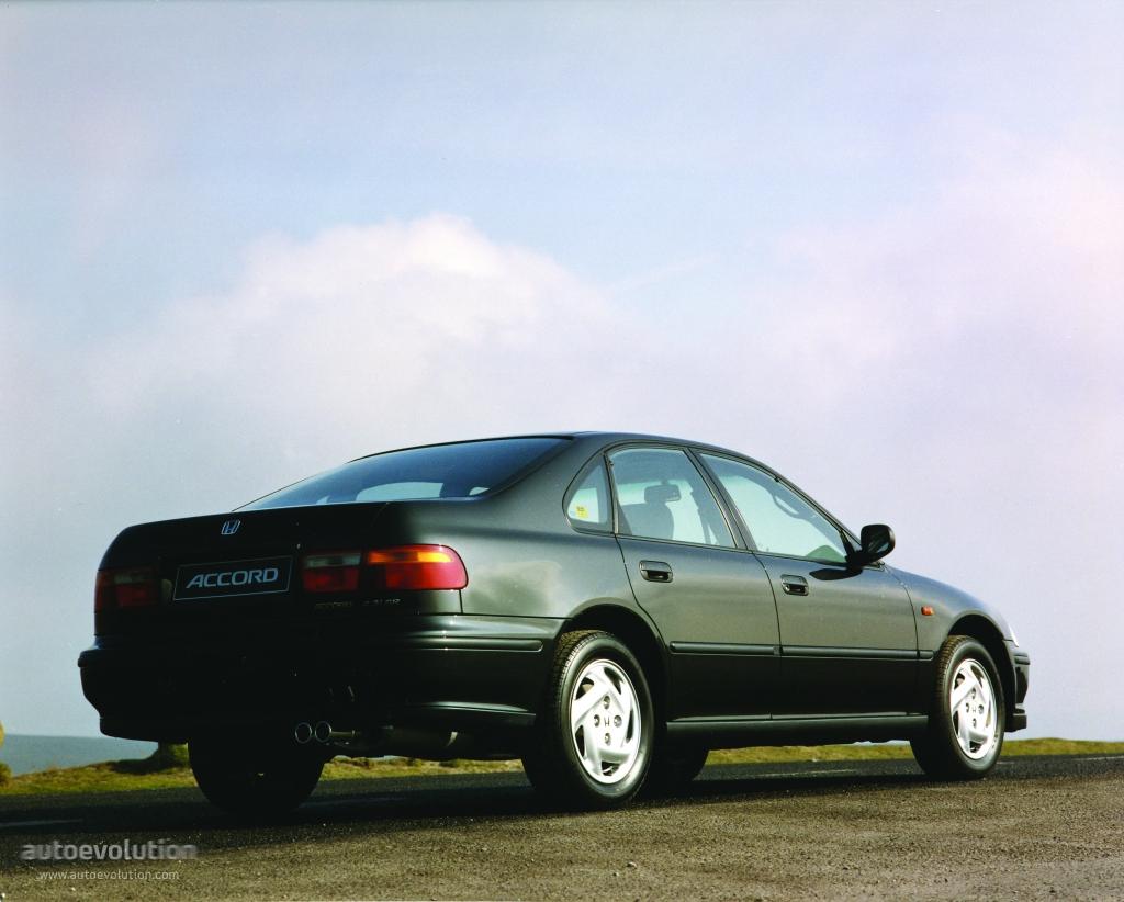 honda accord 4 doors specs photos 1993 1994 1995 1996 autoevolution. Black Bedroom Furniture Sets. Home Design Ideas