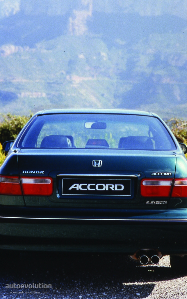 HONDA Accord 4 Doors specs & photos - 1996, 1997, 1998 - autoevolution