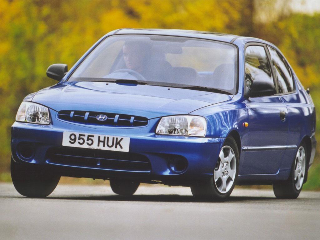 hyundai accent 3 doors specs photos 1999 2000 2001 2002 2003 autoevolution hyundai accent 3 doors specs photos