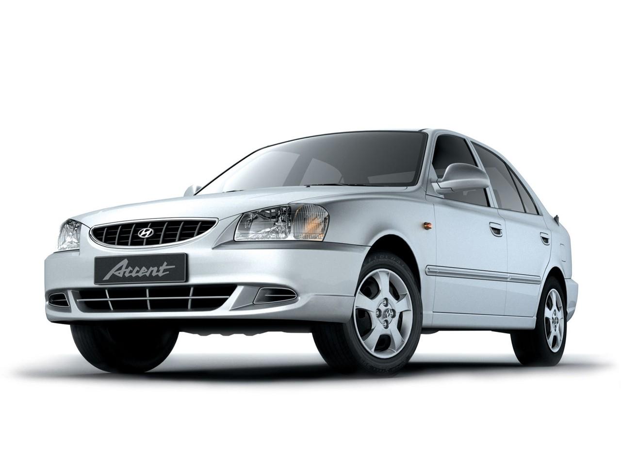 Hyundai Accent Doors on 2000 Hyundai Accent