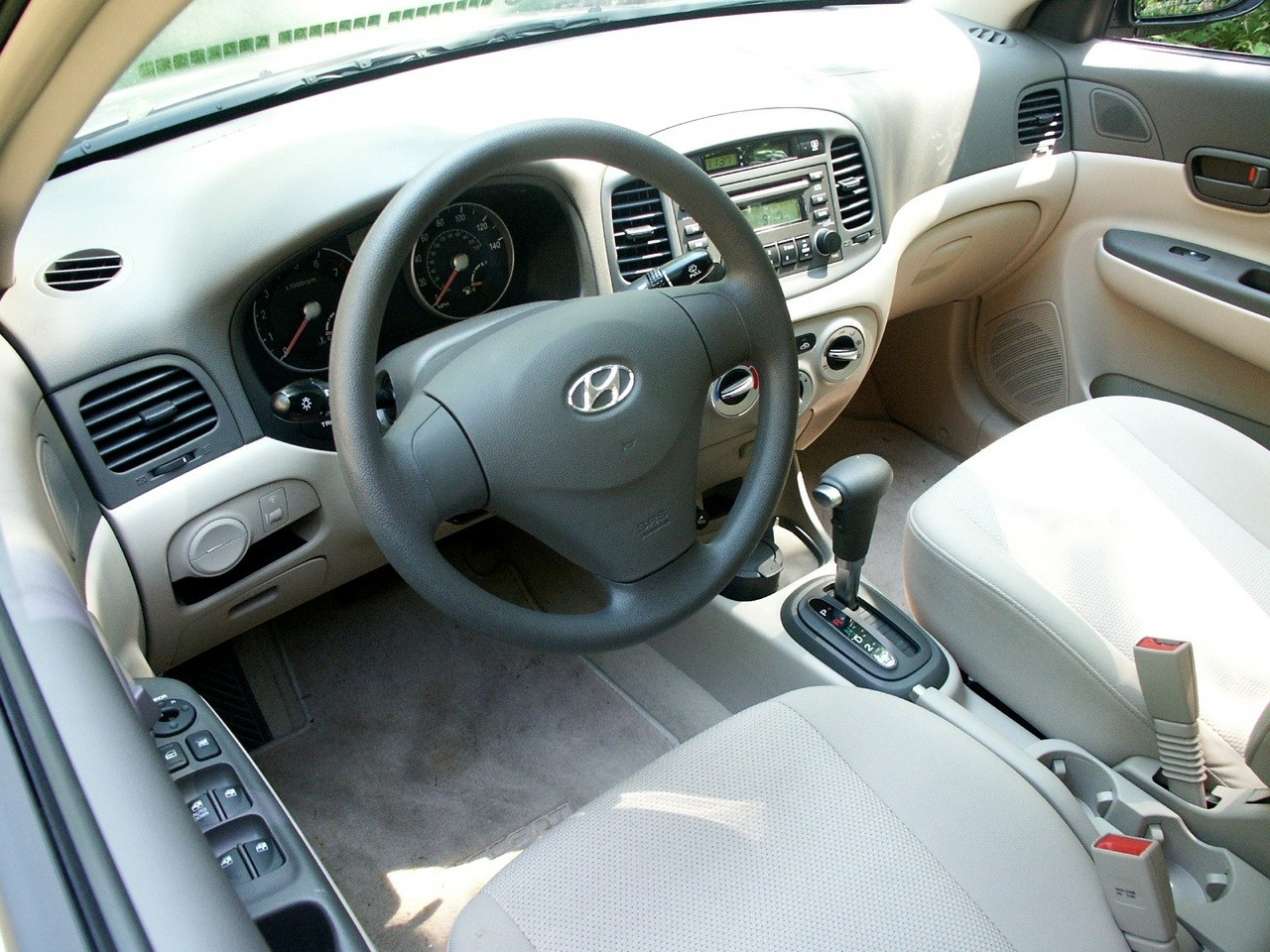 HYUNDAI Accent 4 Doors specs & photos - 2006, 2007, 2008 ...