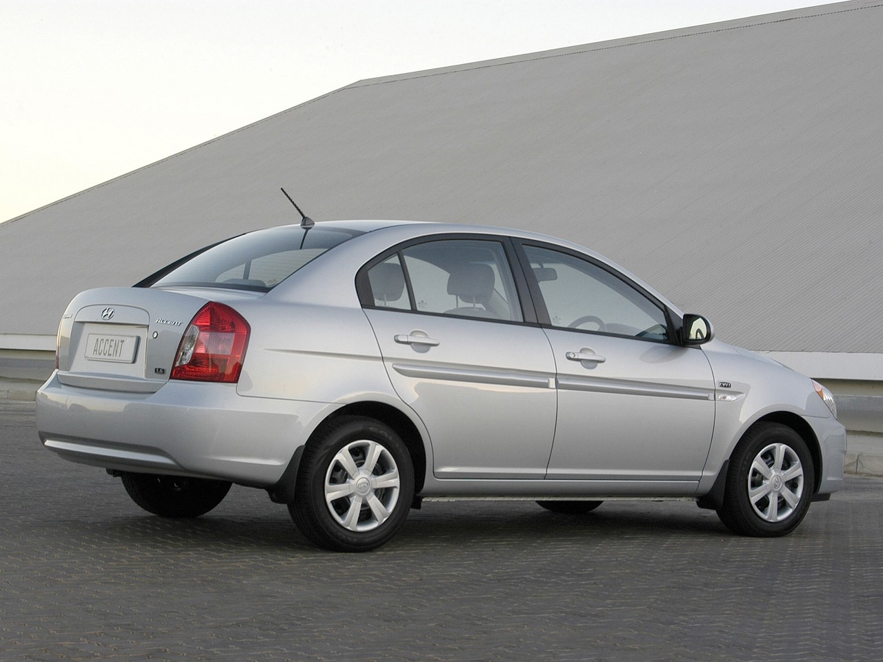 ... HYUNDAI Accent 4 Doors (2006   2011) ...