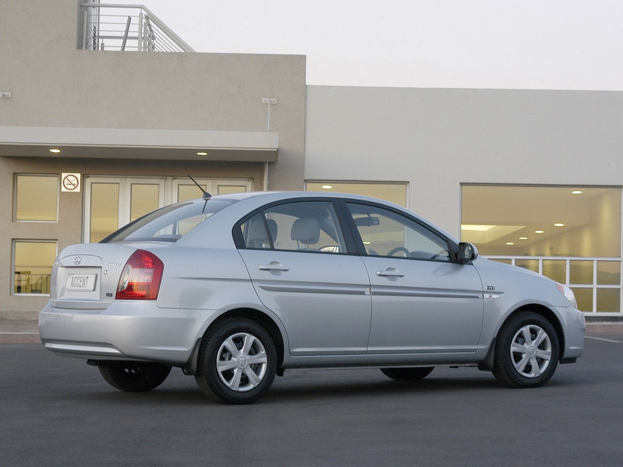 Hyundai Accent 4 Doors Specs Amp Photos 2006 2007 2008