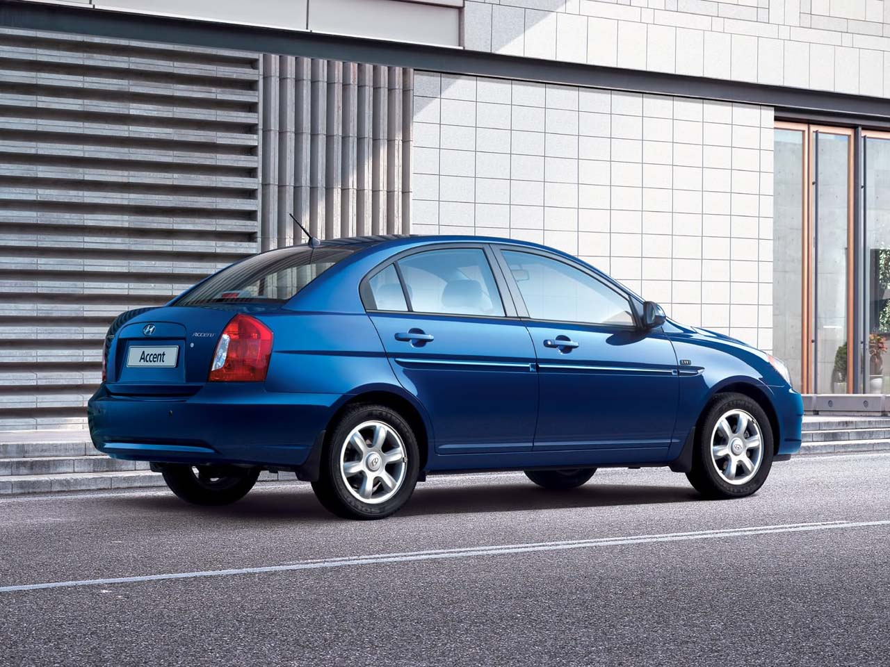 2009 hyundai accent sedan review