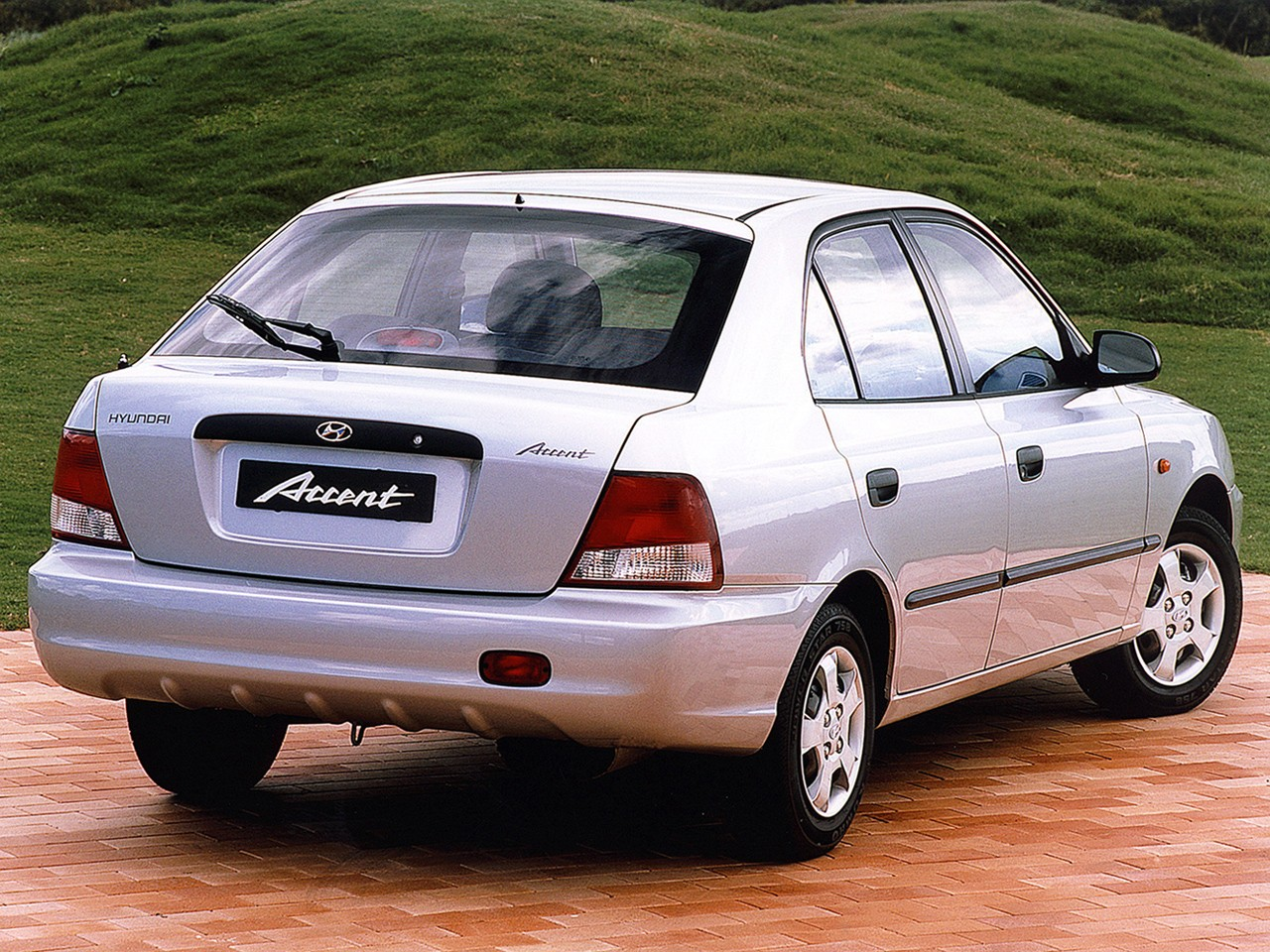 hyundai accent 5 doors 1999 2003