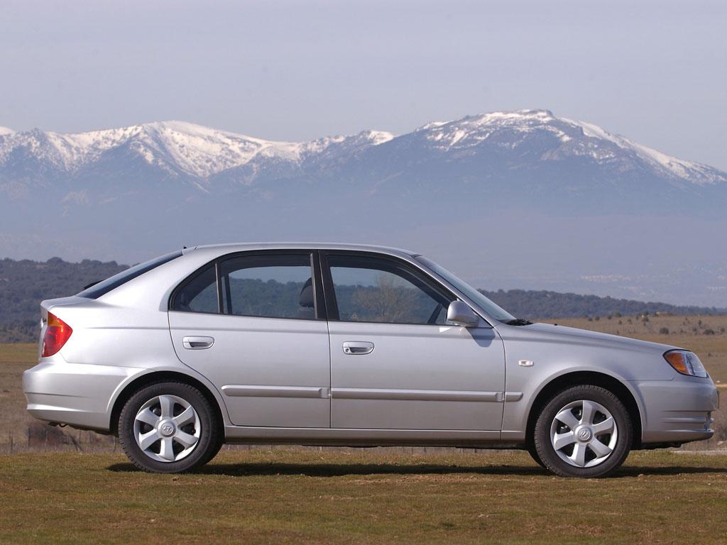 Hyundai Accent 5 Doors Specs Amp Photos 2003 2004 2005