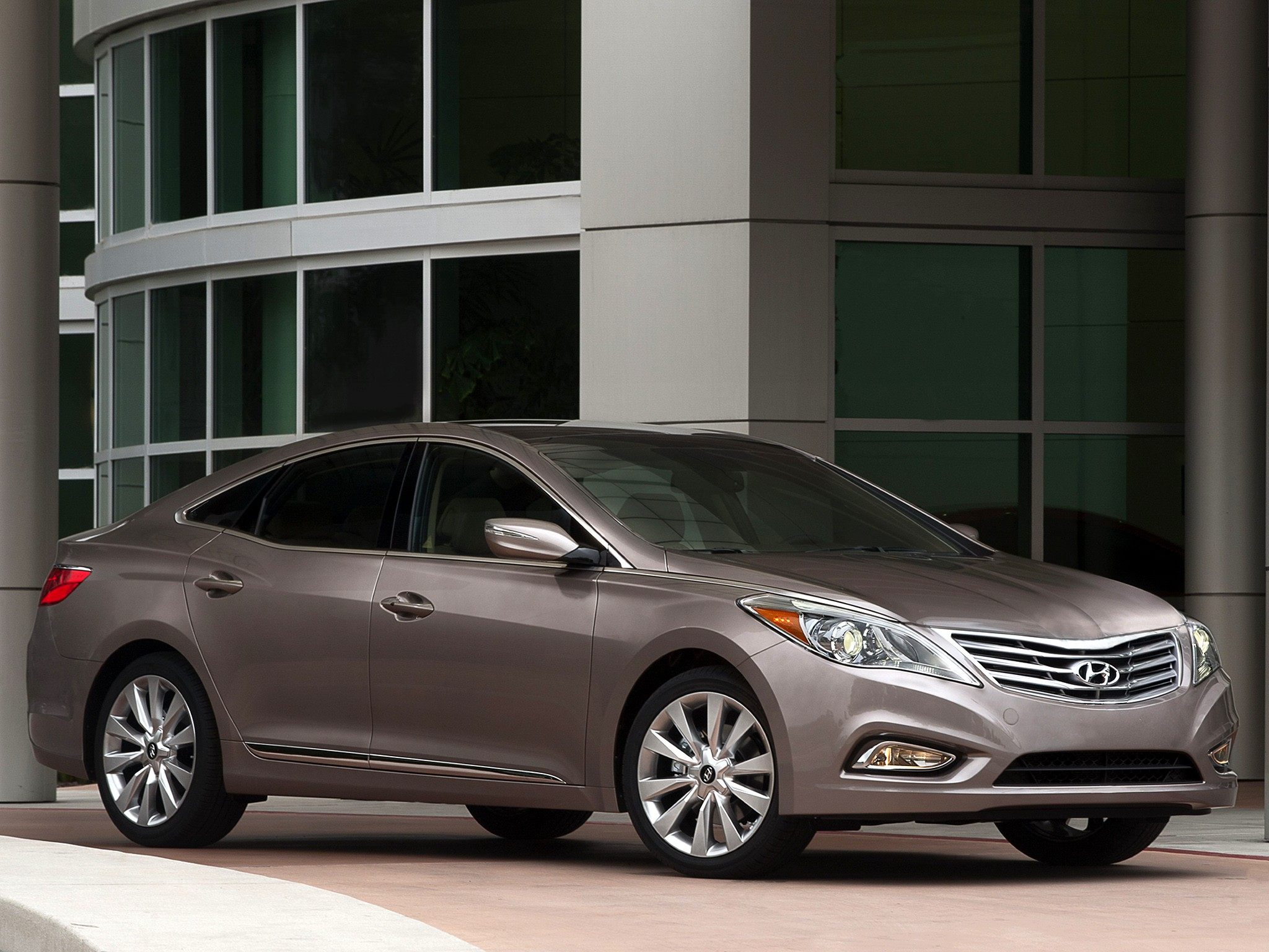 Azera 2018 Interior >> HYUNDAI Azera specs & photos - 2012, 2013, 2014, 2015, 2016, 2017, 2018 - autoevolution