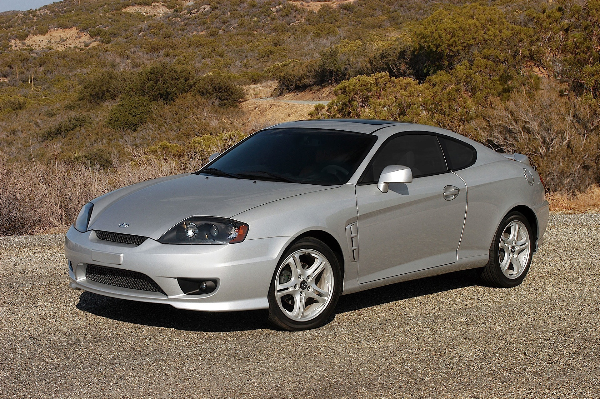 hyundai coupe tiburon 2004 2005 2006 2007 autoevolution. Black Bedroom Furniture Sets. Home Design Ideas