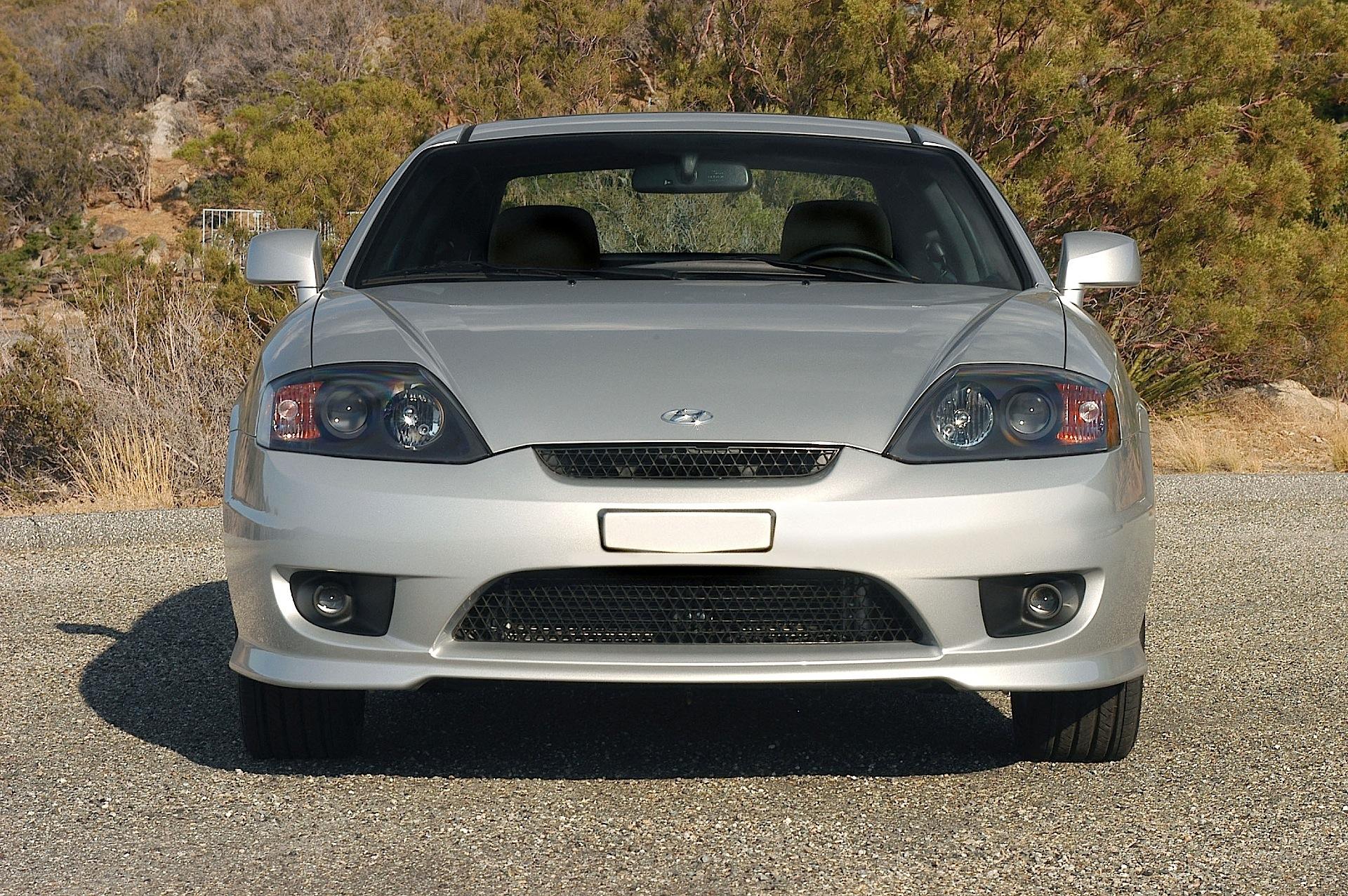 2004 hyundai tiburon headlights