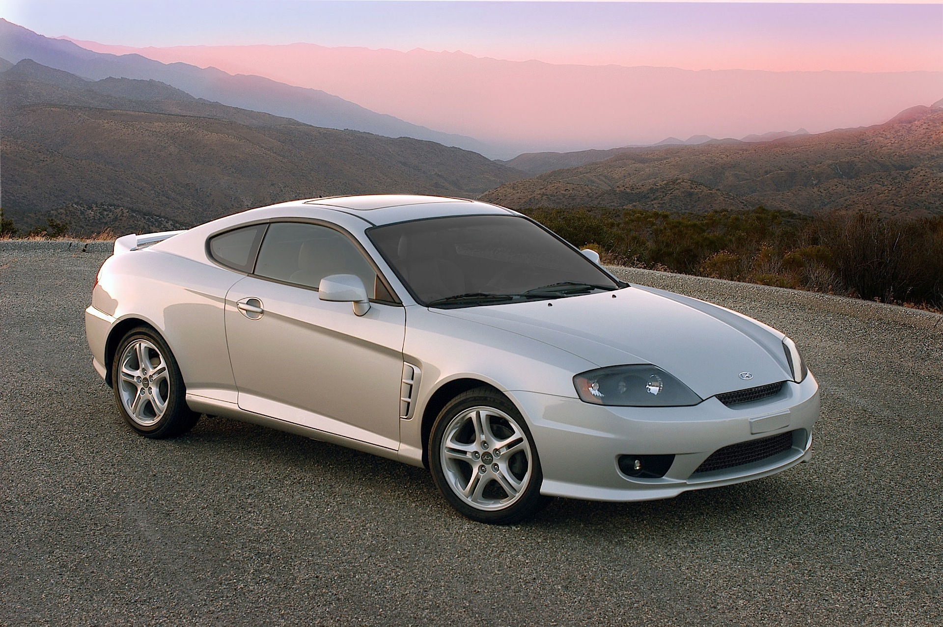 hyundai coupe tiburon specs 2004 2005 2006 2007 autoevolution. Black Bedroom Furniture Sets. Home Design Ideas