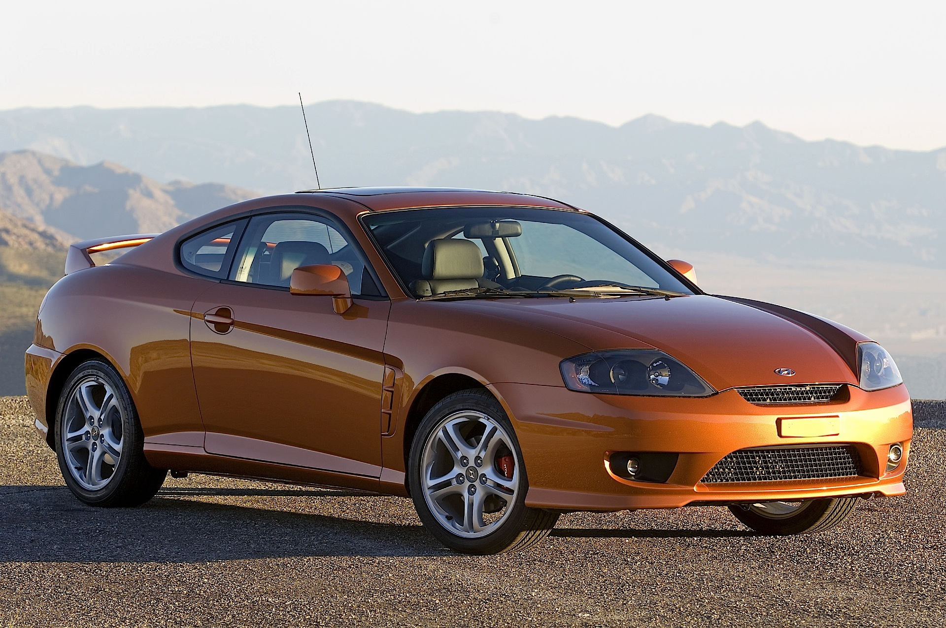 HYUNDAI Coupe / Tiburon - 2004, 2005, 2006, 2007 ...
