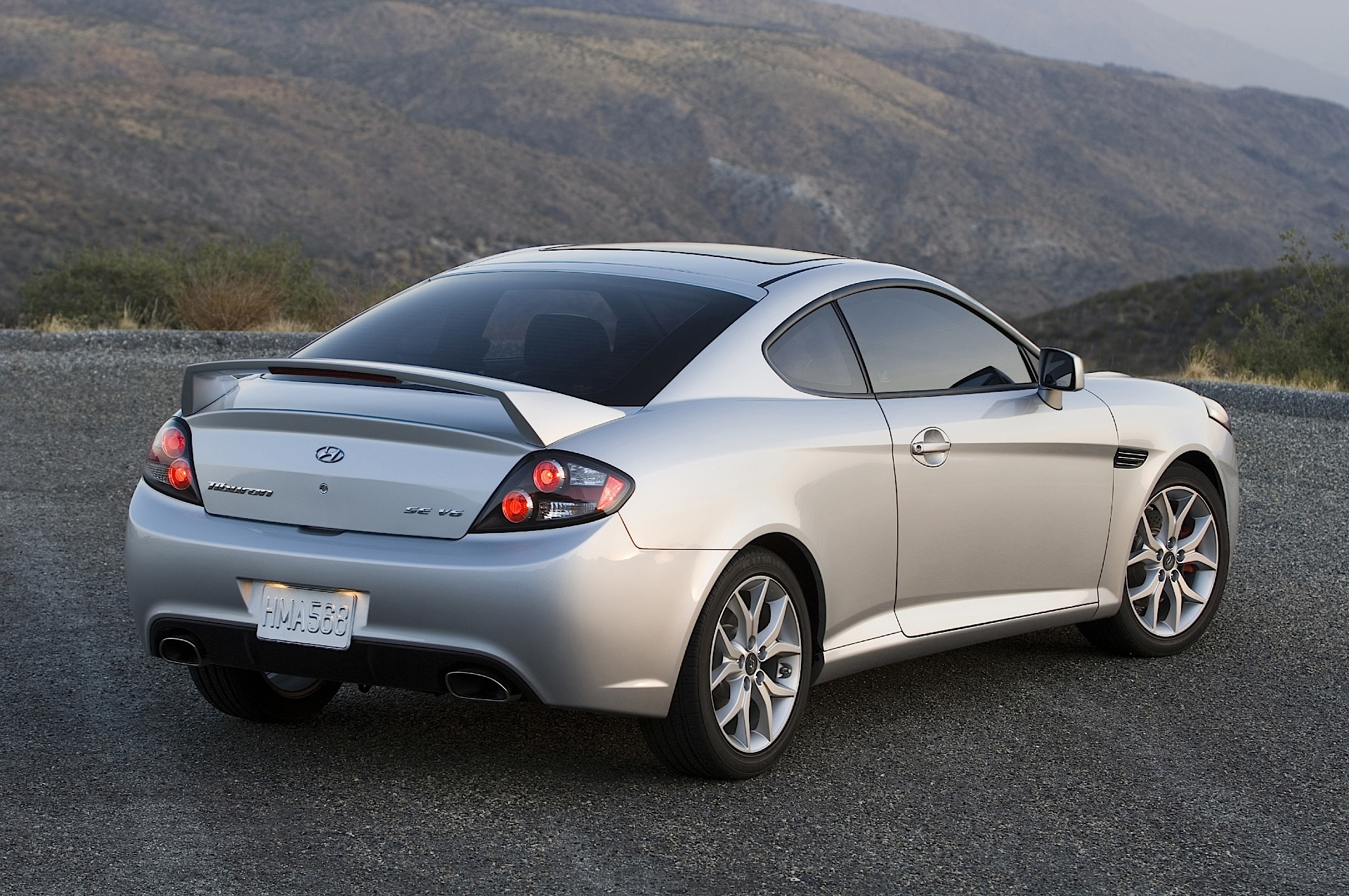 hyundai coupe tiburon specs photos 2007 2008 2009 autoevolution. Black Bedroom Furniture Sets. Home Design Ideas
