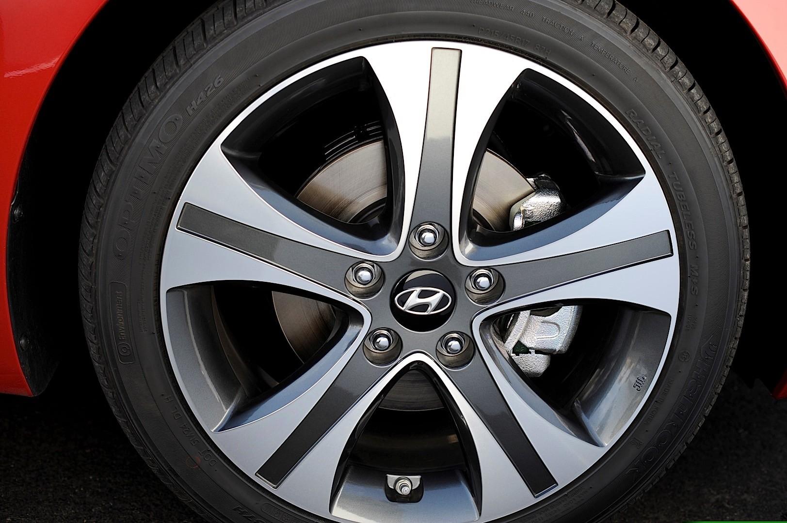 Hyundai Elantra Specs Photos 2010 2011 2012 2013 2014