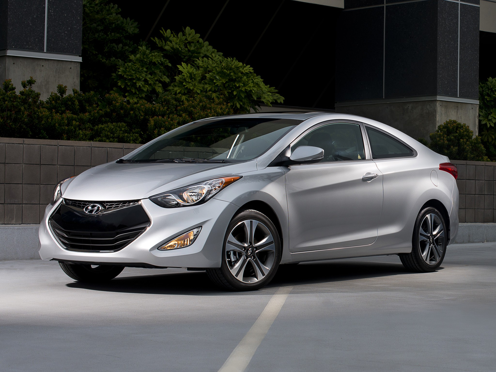hyundai elantra coupe specs 2012 2013 2014 2015 2016 2017 2018 autoevolution. Black Bedroom Furniture Sets. Home Design Ideas