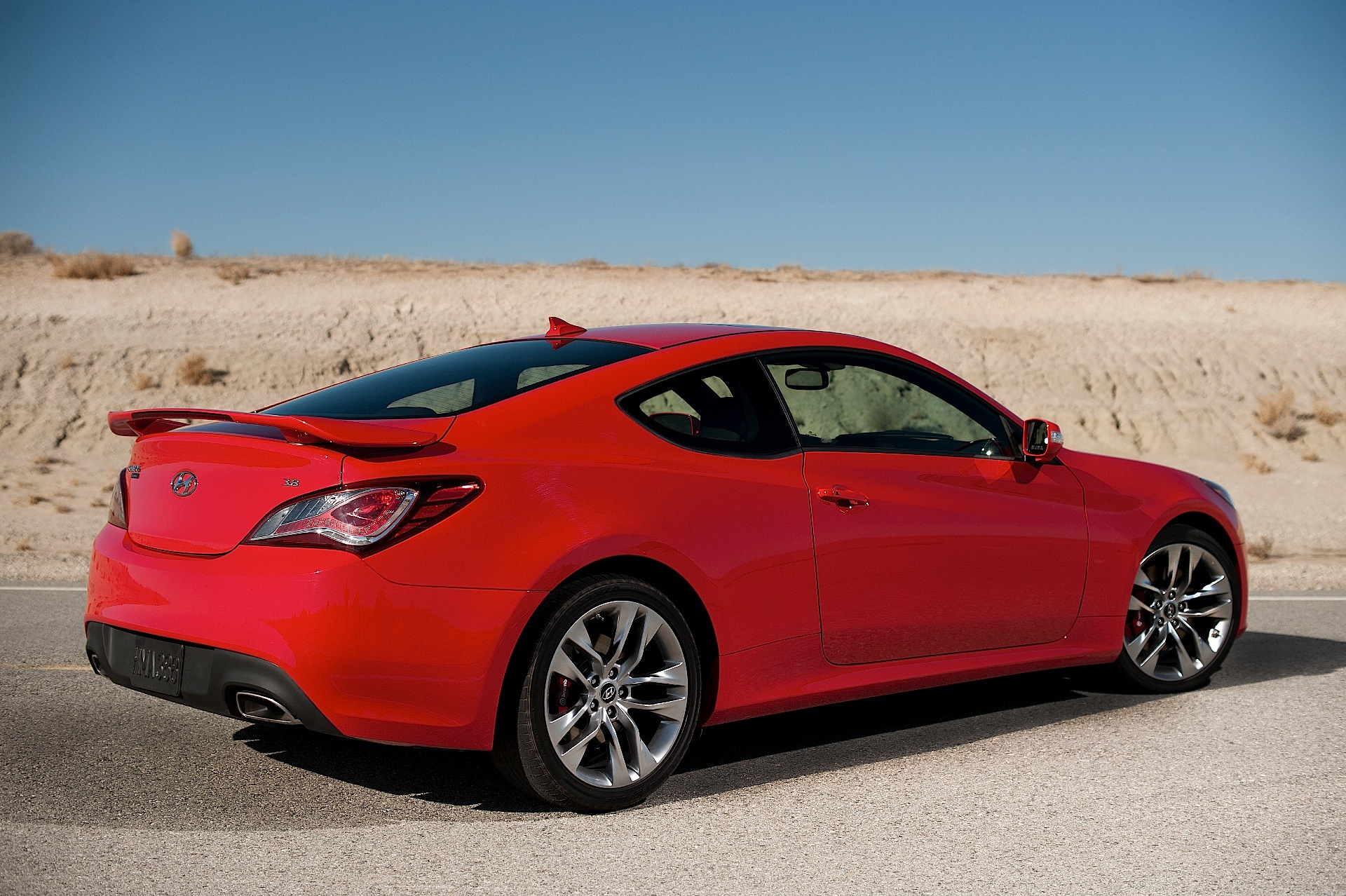 hyundai genesis coupe 2008 2009 2010 2011 2012 2013 autoevolution. Black Bedroom Furniture Sets. Home Design Ideas