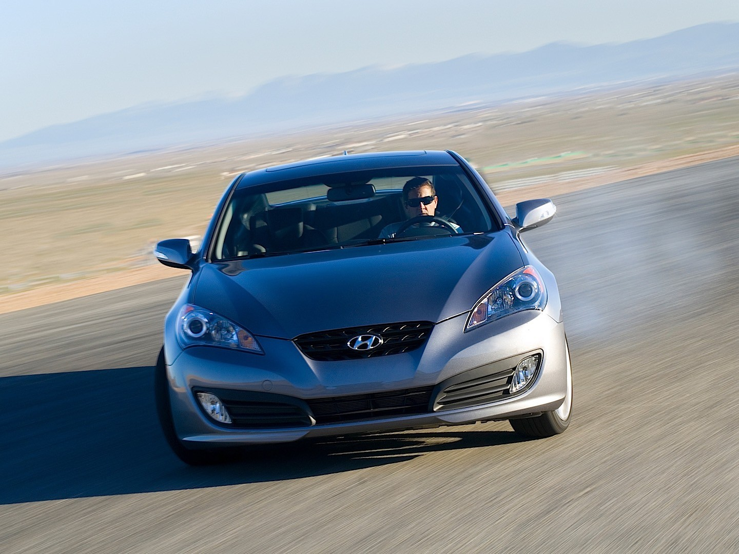 hyundai genesis coupe specs 2008 2009 2010 2011 2012 2013 autoevolution. Black Bedroom Furniture Sets. Home Design Ideas