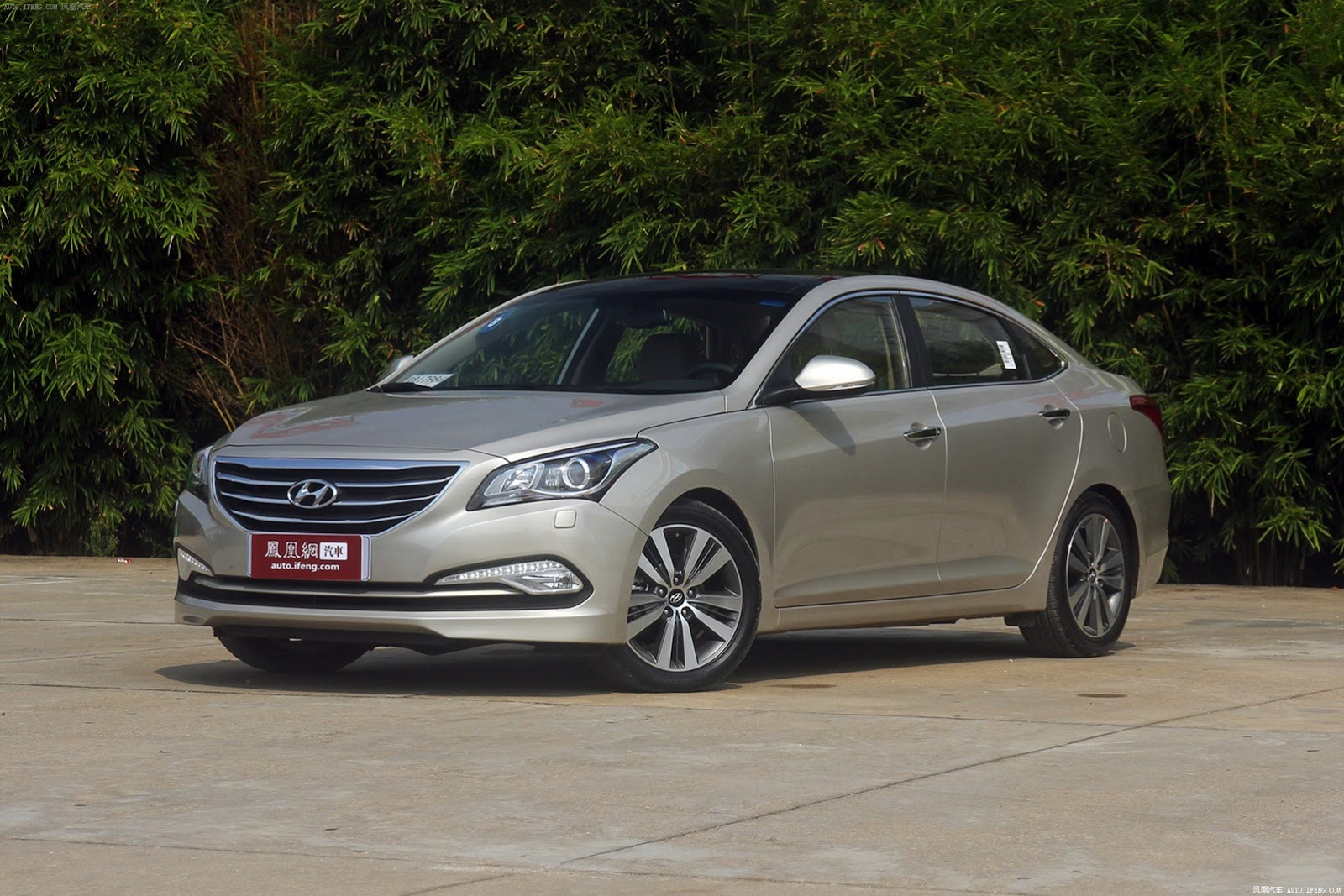 HYUNDAI Mistra specs & photos - 2014, 2015, 2016, 2017 ...