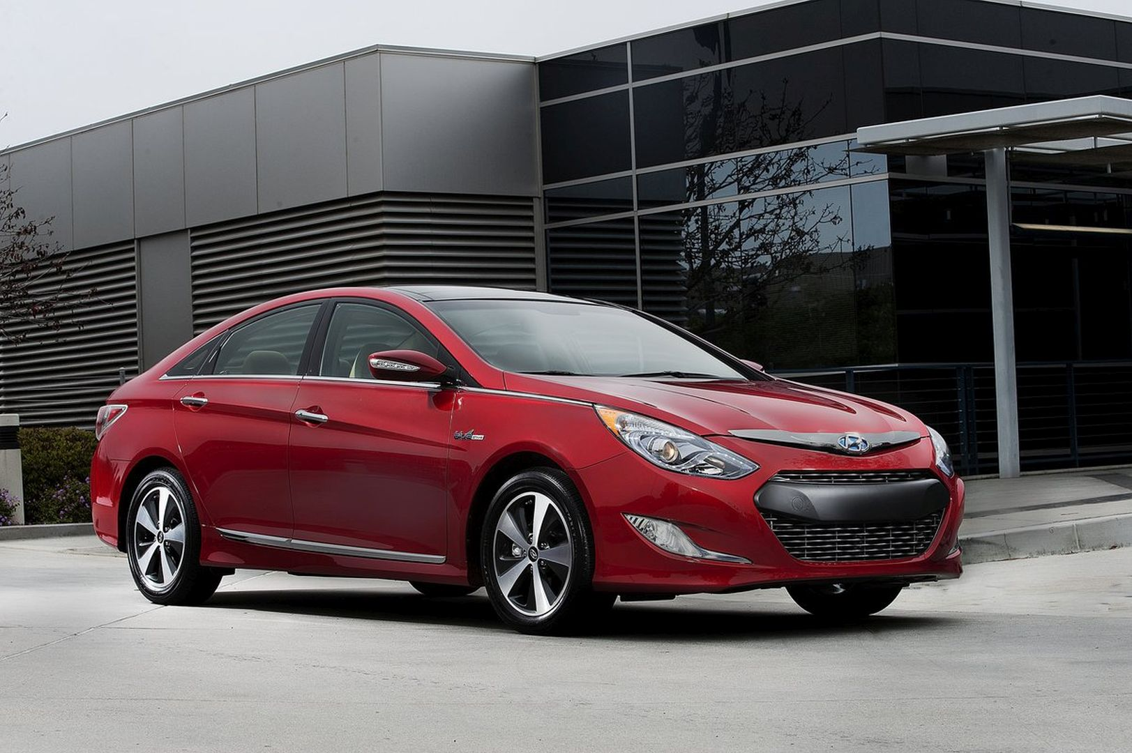 hyundai sonata hybrid specs 2010 2011 2012 2013 2014 autoevolution. Black Bedroom Furniture Sets. Home Design Ideas