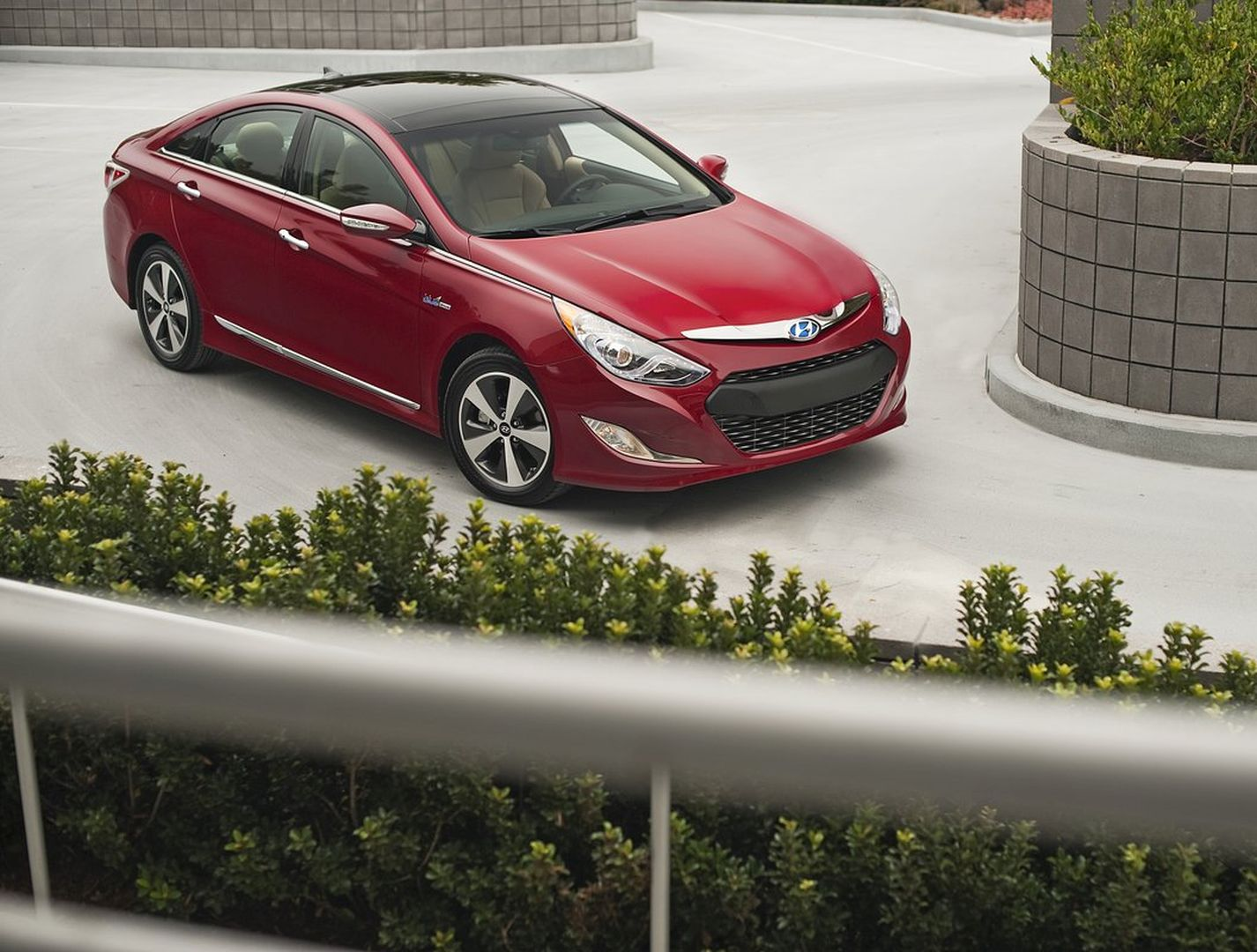 Hyundai Sonata Hybrid Specs Amp Photos 2010 2011 2012