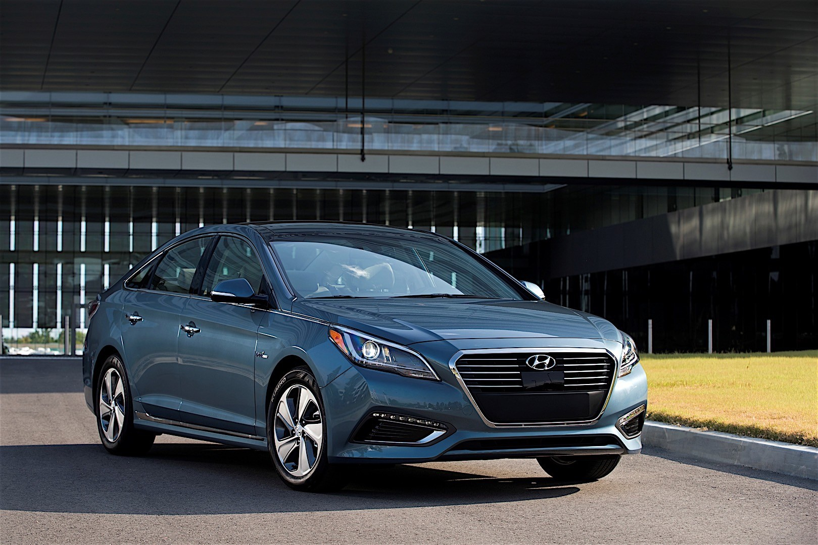 plug h news to car nominee buy sonata green and hyundai in reports best hybrid