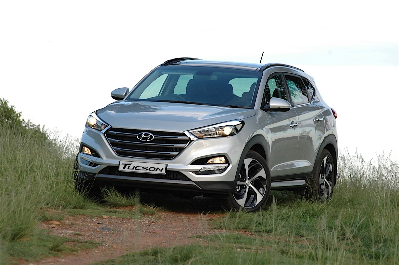hyundai tucson specs 2016 2017 2018 autoevolution. Black Bedroom Furniture Sets. Home Design Ideas