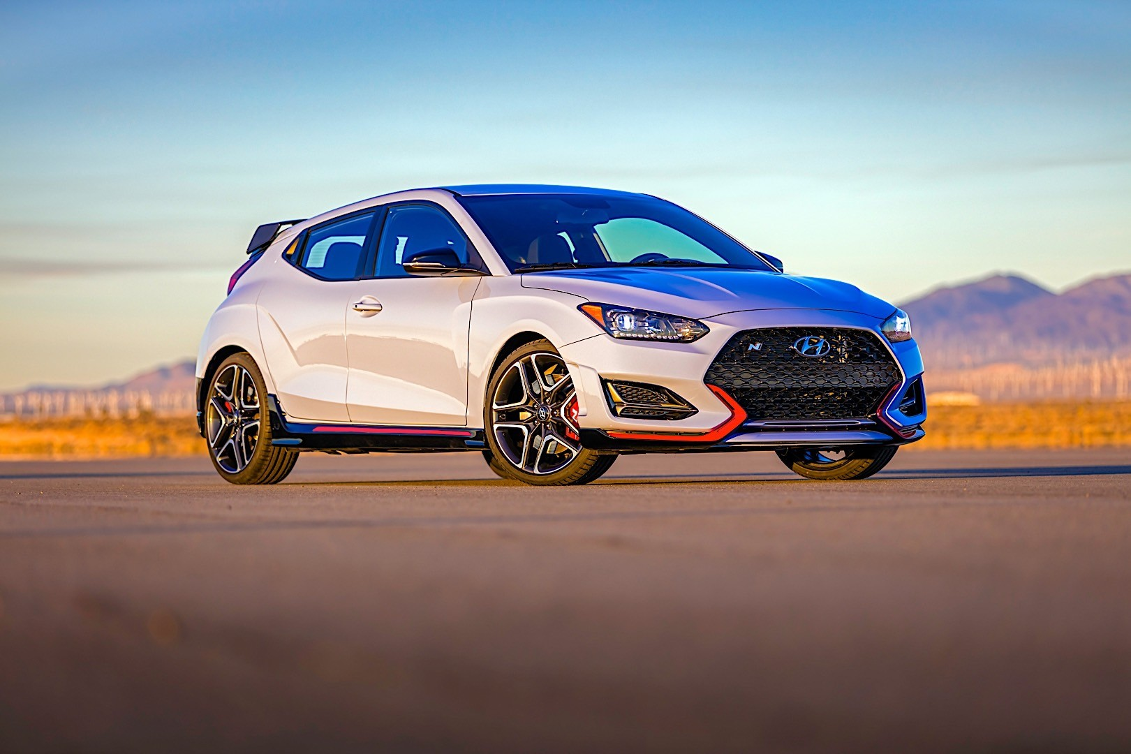 hyundai veloster n specs 2018 autoevolution. Black Bedroom Furniture Sets. Home Design Ideas