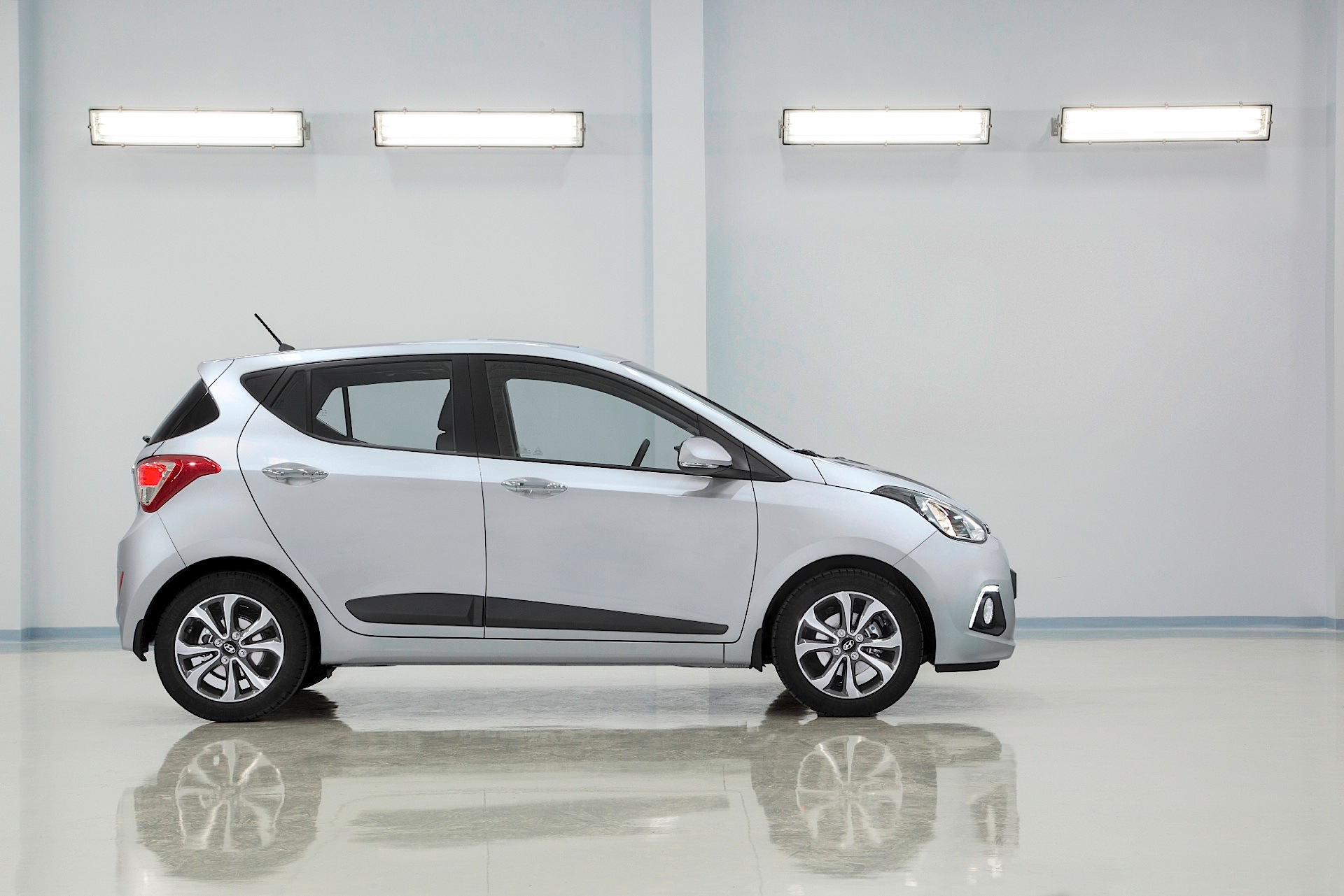 Hyundai Grand I10 Specs Photos 2013 2014 2015 2016 2017
