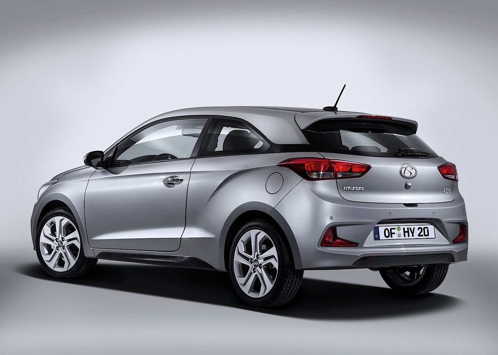 HYUNDAI i20 Coupe specs & photos - 2015, 2016, 2017, 2018 ...