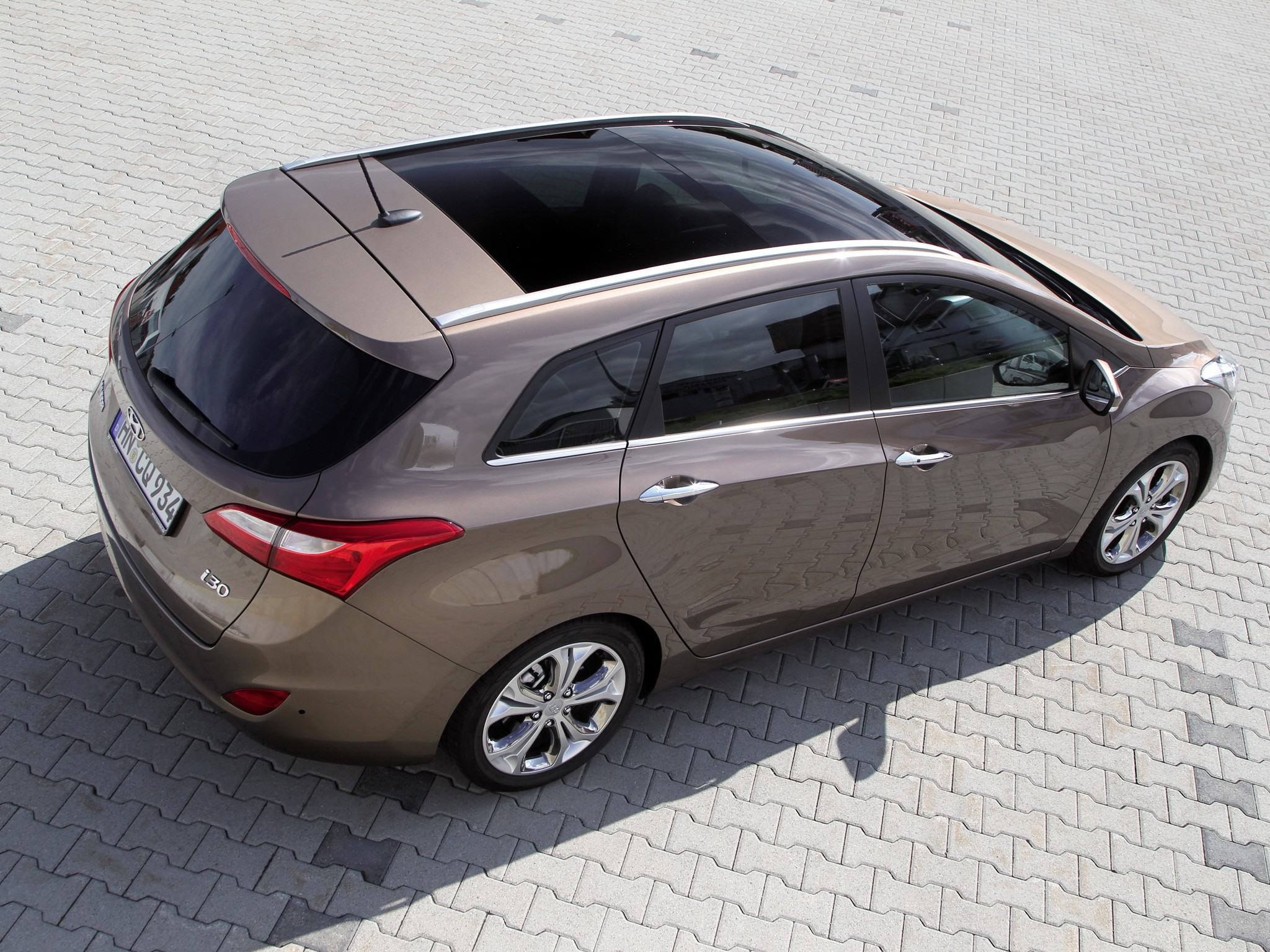 Hyundai i30 Wagon - 2012 Geneva Motor Show - Motor Trend